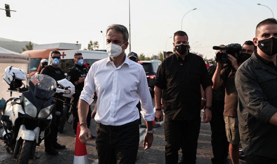 Βαρυμπόμπη: Η ολονύχτια μάχη με τις φλόγες και το δημόσιο ευχαριστώ του Πρωθυπουργού στο Πυροσβεστικό Σώμα – «Δόξα τω Θεώ δεν είχαμε καμία απώλεια ανθρώπινης ζωής» - Κυρίως Φωτογραφία - Gallery - Video