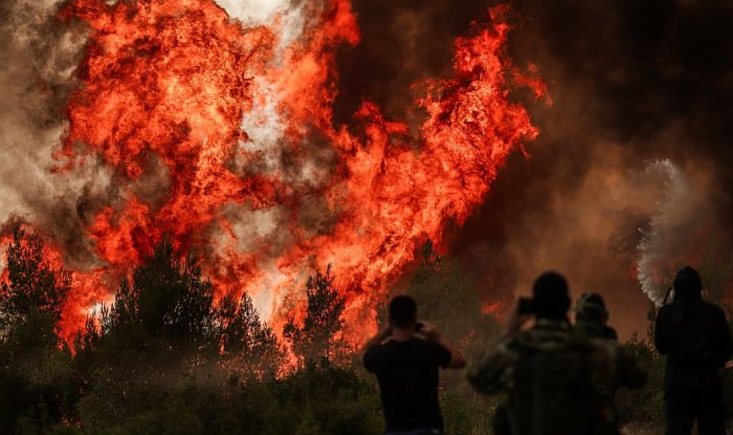 ΑΔΜΗΕ: Δεν αποκλείονται περικοπές στην ηλεκτροδότηση λόγω της πυρκαγιάς στο Κρυονέρι - Έπεσαν δύο κρίσιμα κυκλώματα υπερυψηλής τάσης (βίντεο) - Κυρίως Φωτογραφία - Gallery - Video