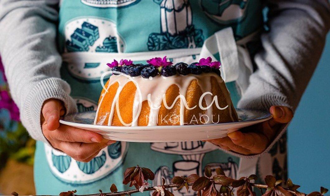 Κέικ με μύρτιλα από την Ντίνα Νικολάου: Γίνεται πολύ γρήγορα και τρώγεται ακόμη γρηγορότερα! - Κυρίως Φωτογραφία - Gallery - Video