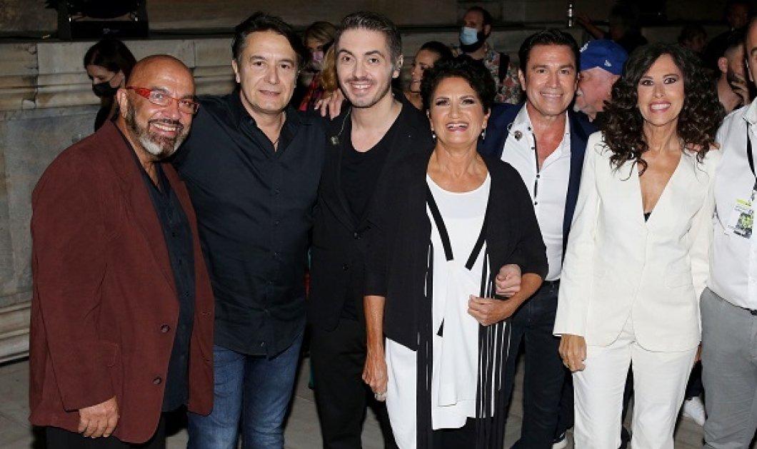 Φωτό & βίντεο από την συναυλία «Μένουμε Όρθιοι»: Φραγκούλης, Νταλάρας, Αρβανιτάκη, Πρωτοψάλτη τραγούδησαν για τους πυρόπληκτους - Κυρίως Φωτογραφία - Gallery - Video