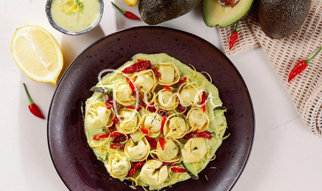 Ντίνα Νικολάου: Τορτελίνια με ρικότα, σπανάκι, κρέμα αβοκάντο και λιαστές ντομάτες - θα τα απολαύσετε χωρίς να σας βαρύνουν - Κυρίως Φωτογραφία - Gallery - Video