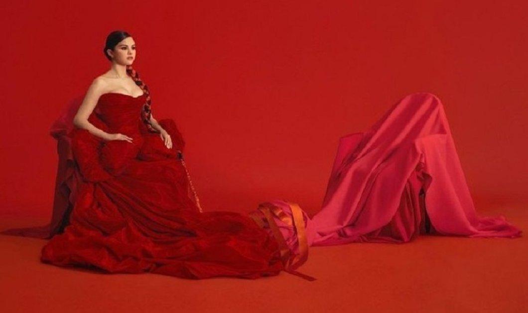 Η Selena Gomez αποκαλύπτει πώς πετυχαίνει το τέλειο βραδινό μακιγιάζ - Δείτε τα μυστικά της (βίντεο) - Κυρίως Φωτογραφία - Gallery - Video