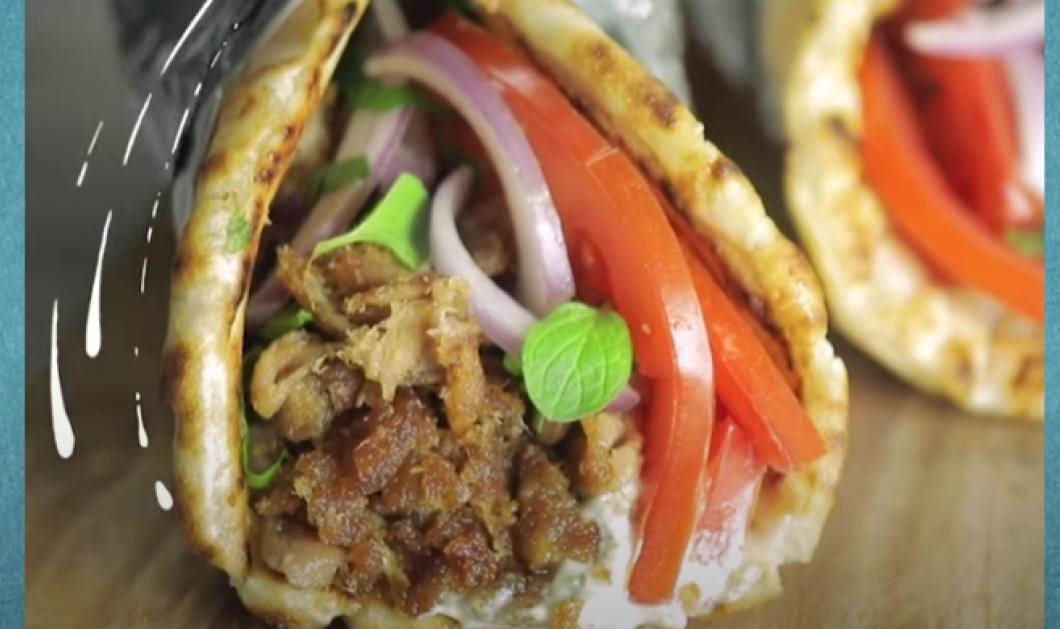 O Άκης ετοιμάζει ένα πιάτο για φοιτητές - Λαχταριστή πίτα γύρο με καπνιστό τόνο (βίντεο) - Κυρίως Φωτογραφία - Gallery - Video