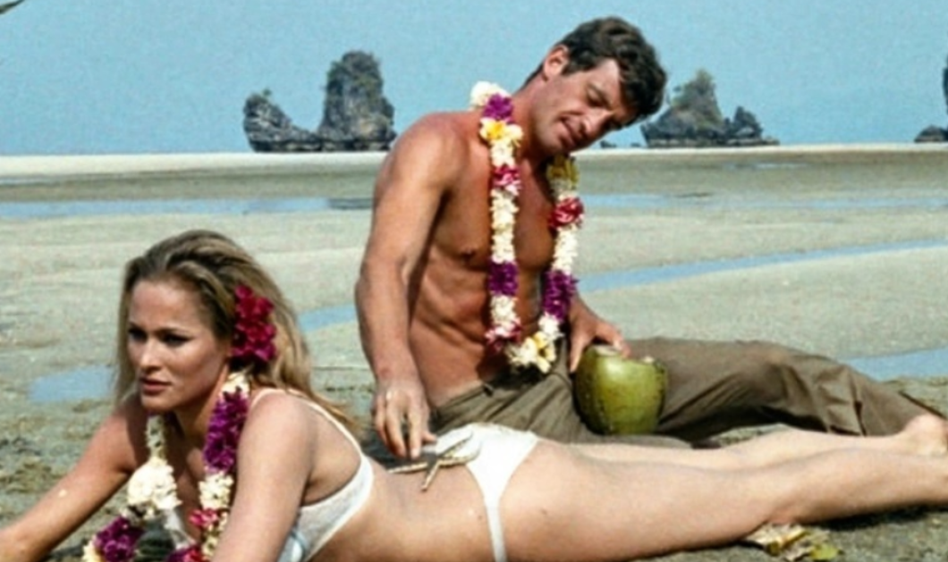 Jean-Paul Belmmondo: Οι γυναίκες του θρυλικού γόη -  Παντρεύτηκε δύο χορεύτριες, ερωτεύτηκε την Ursula Andress & την Laura Antonelli, έκανε σχέση με Playmates - Κυρίως Φωτογραφία - Gallery - Video