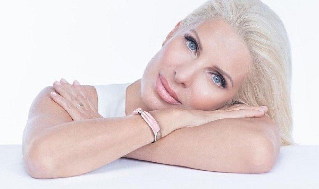 Ο Κοσμάς Κουμιανός φωτογράφισε σαν «ξανθό άγγελο» την Ελένη Μενεγάκη - η νέα καμπάνια για τον μήνα του καρκίνου του μαστού (φωτό) - Κυρίως Φωτογραφία - Gallery - Video