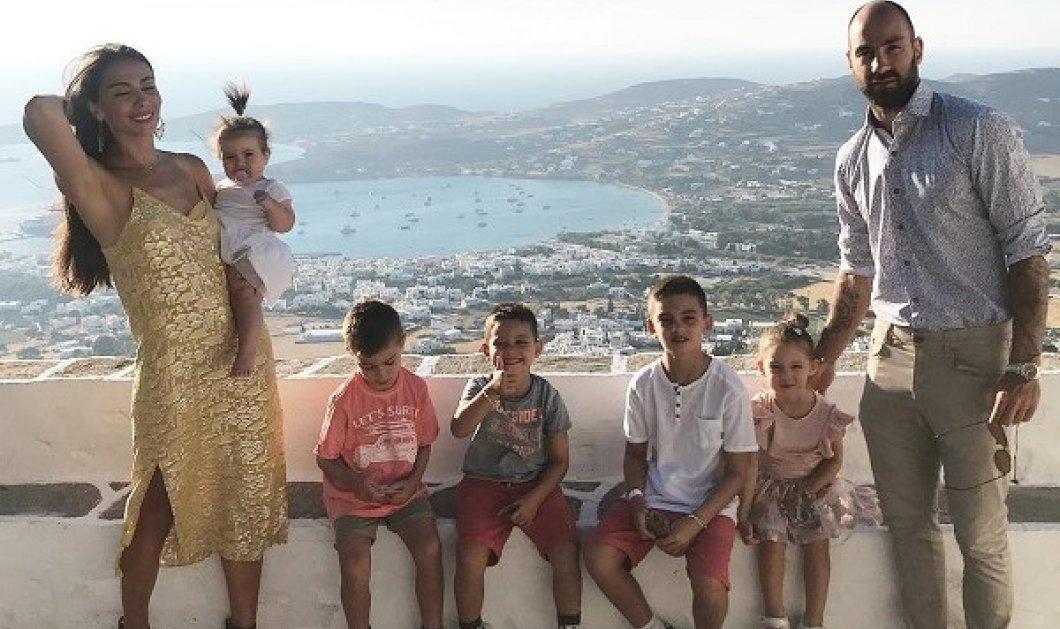 Ολυμπία Χοψονίδου - Βασίλης Σπανούλης: Οι φωτό από την βάφτιση της κορούλας τους - το 6ο παιδί της οικογένειας! (βίντεο) - Κυρίως Φωτογραφία - Gallery - Video