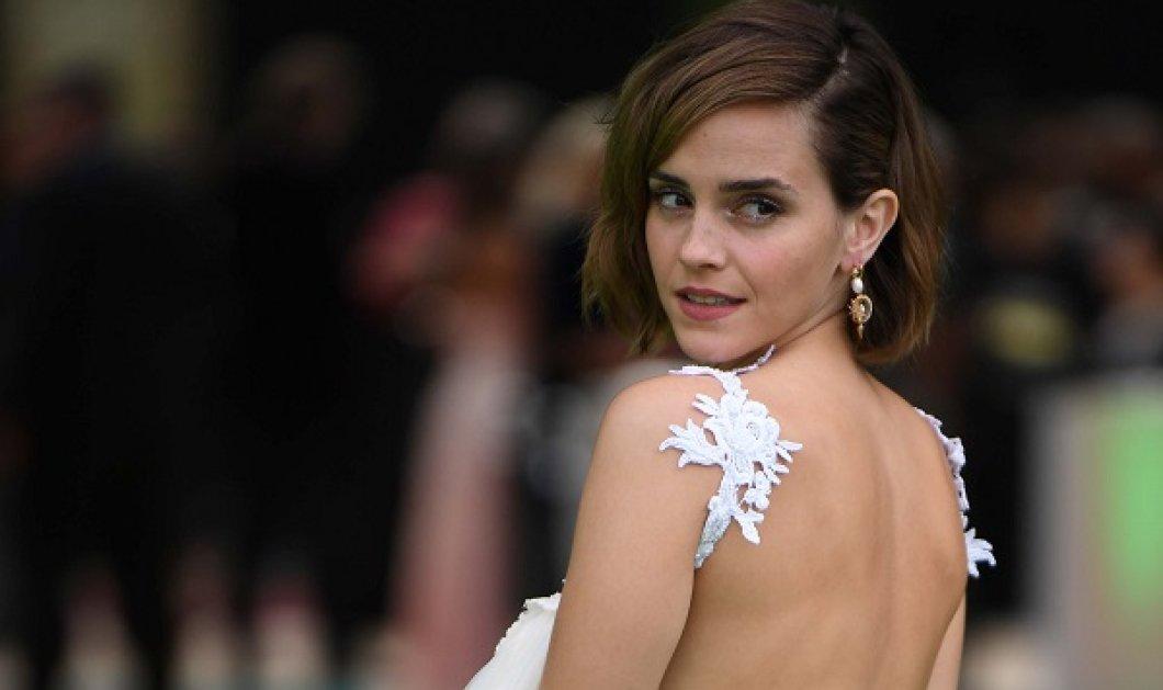 Emma Watson: Πρωτοποριακή εμφάνιση με φόρεμα φτιαγμένο από ανακυκλωμένα νυφικά & παντελόνι - καμπάνα (φωτό) - Κυρίως Φωτογραφία - Gallery - Video