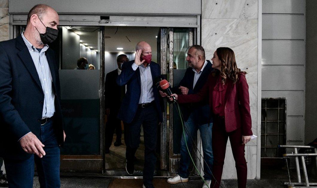 ΚΙΝΑΛ: Κατατέθηκαν οι υποψηφιότητες για την ηγεσία του κόμματος - Τι δήλωσαν Παπανδρέου - Λοβέρδος - Καστανίδης (φώτο-βίντεο) - Κυρίως Φωτογραφία - Gallery - Video
