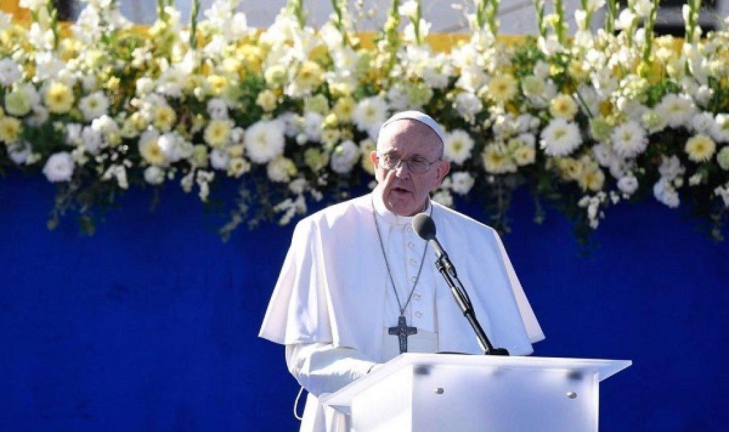 Η έκπληξη του Πάπα Φραγκίσκου σε ένα μικρό αγόρι: Ζήτησε από Καρδινάλιο να σηκωθεί για να κάτσει ο πιτσιρικάς (βίντεο) - Κυρίως Φωτογραφία - Gallery - Video