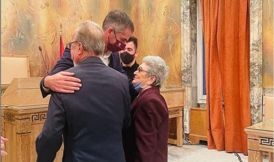 Ο Κώστας Μπακογιάννης πάντρεψε τον 87χρονο Νίκο & την 85χρονη Μάρθα - Έρωτας μέχρις εσχάτων (φώτο) - Κυρίως Φωτογραφία - Gallery - Video