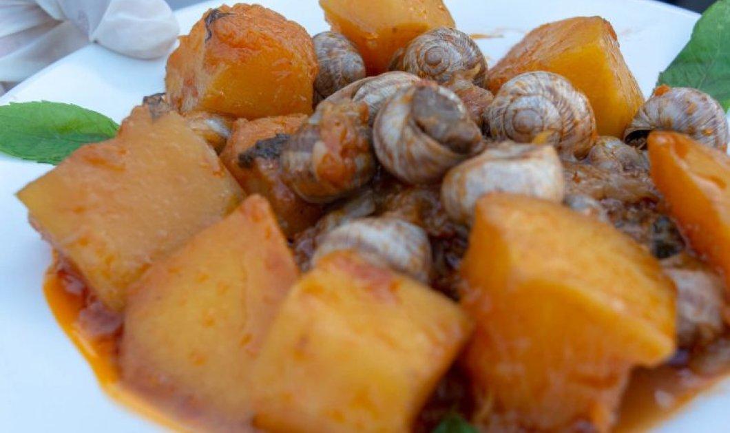 Η Αργυρώ Μπαρμπαρίγου ετοιμάζει ένα απίστευτο πιάτο - Κοκκινιστά σαλιγκάρια στιφάδο  - Κυρίως Φωτογραφία - Gallery - Video