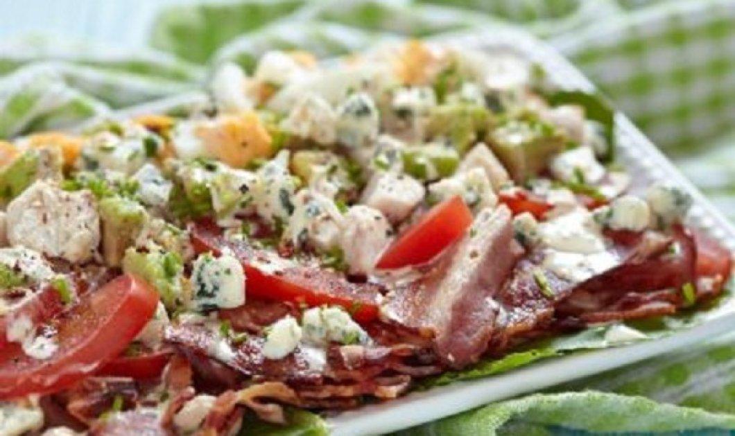 Δημήτρης Σκαρμούτσος: Κοτοσαλάτα με μπέικον και blue cheese - είναι χορταστική και πεντανόστιμη - Κυρίως Φωτογραφία - Gallery - Video