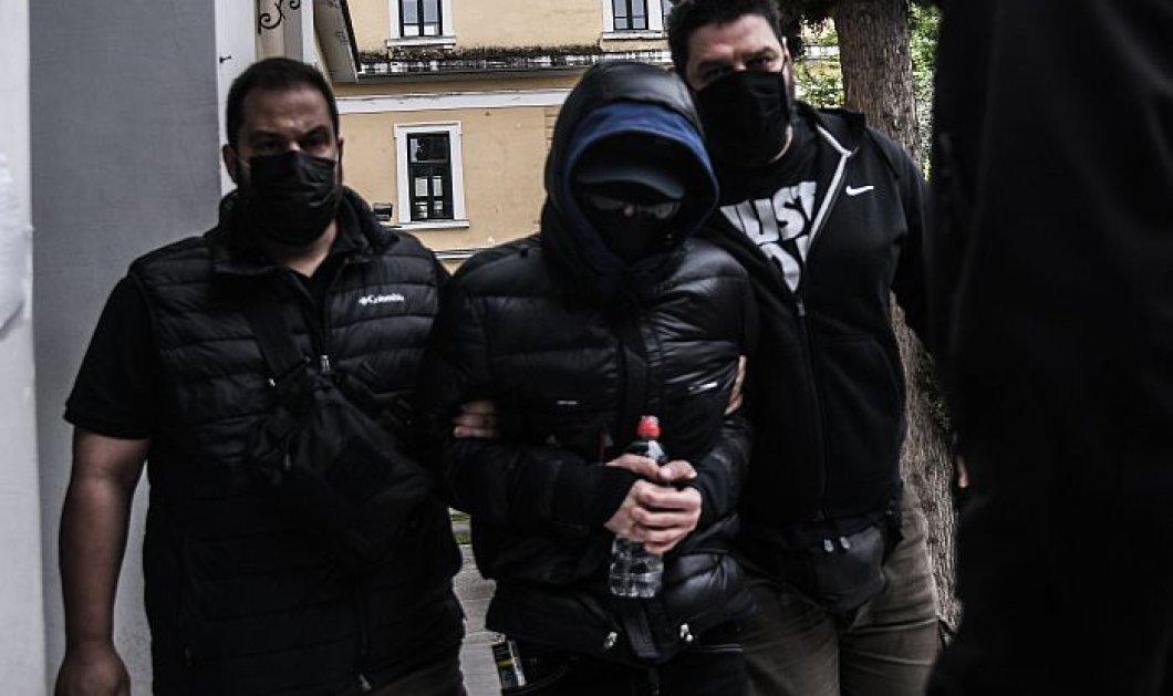 Αποφυλακίστηκε ο Μένιος Φουρθιώτης μετά από πέντε μήνες προσωρινής κράτησης - Του απαγορεύτηκε να εμφανιστεί στα κανάλια - Κυρίως Φωτογραφία - Gallery - Video