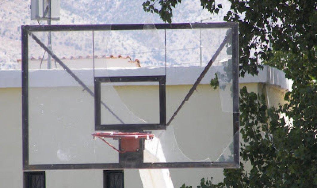 Χτύπησαν και κρέμασαν 9χρονο αγόρι από μπασκέτα οι συμμαθητές του στη Λέσβο - Η χήρα, πολύτεκνη μητέρα καταγγέλει - Κυρίως Φωτογραφία - Gallery - Video