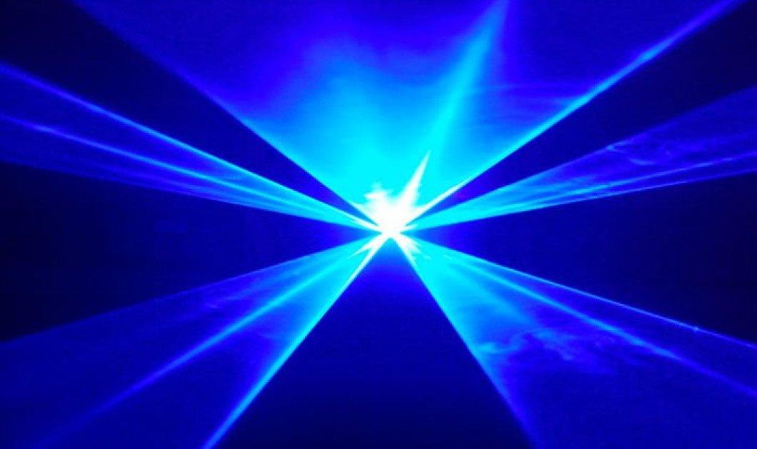 Θεραπεία της στυτικής δυσλειτουργίας με... μπλε φως! Πάει το μπλε χαπάκι! - Κυρίως Φωτογραφία - Gallery - Video