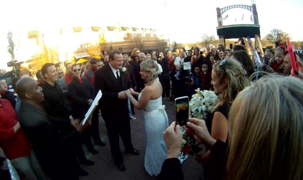 Το βίντεο της ημέρας: Ντύθηκε νύφη για τις ανάγκες φωτογράφισης και τελικά παντρεύτηκε! - Κυρίως Φωτογραφία - Gallery - Video