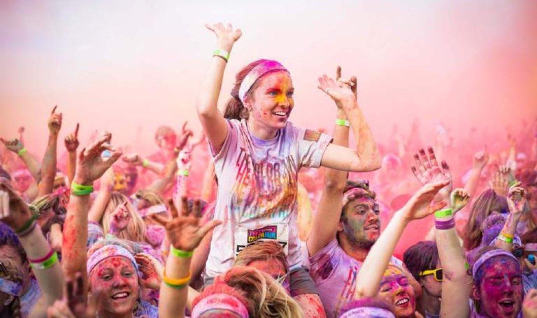 Ο πιο φαντασμαγορικός και πολύχρωμος μαραθώνιος έγινε στο Ντουμπάι - Χιλιάδες δρομείς ''βάφτηκαν'' σε όλα τα χρώματα της ίριδας! (Φωτό) - Κυρίως Φωτογραφία - Gallery - Video