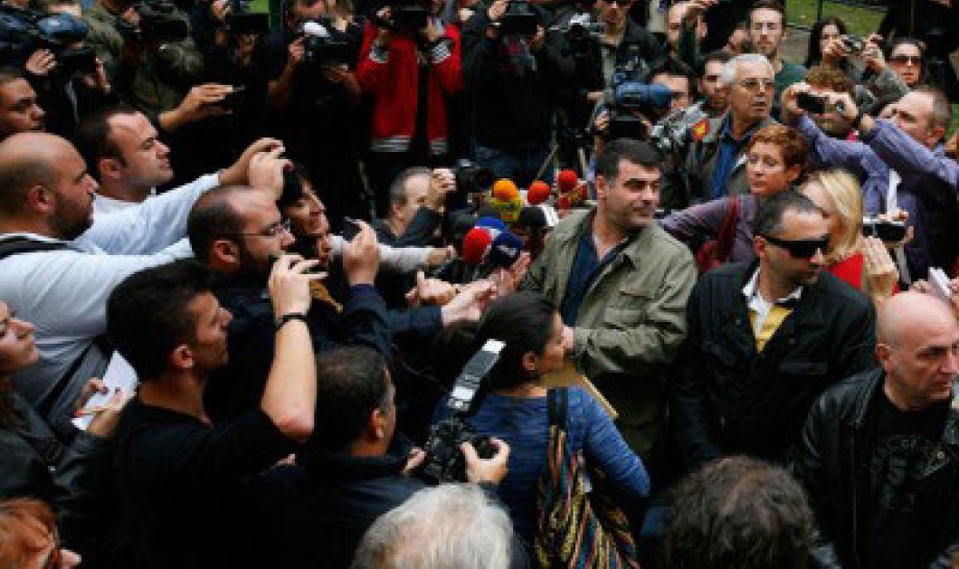 Αθώος ο Κώστας Βαξεβάνης - Κυρίως Φωτογραφία - Gallery - Video