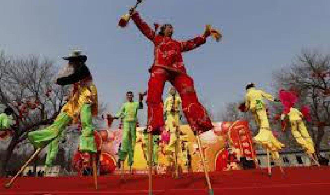Κυρίες και κύριοι, μπήκαμε στο έτος του φιδιού-δείτε τους λαμπρούς εορτασμούς για τη κινέζικη νέα χρονιά! - Κυρίως Φωτογραφία - Gallery - Video