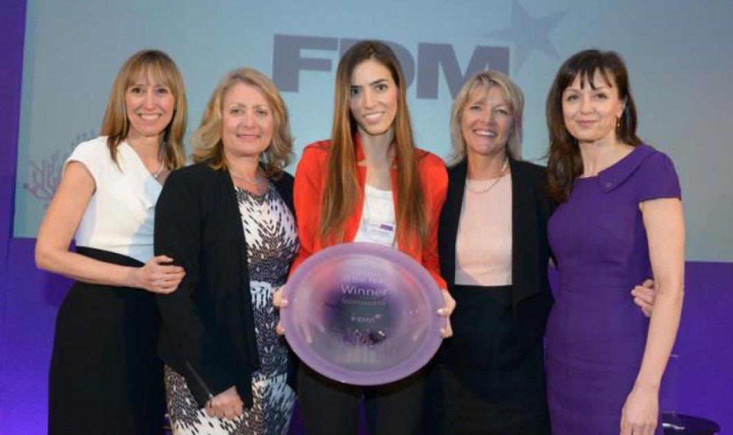Η Ελληνίδα επιστήμονας Ελένη Αντωνιάδου έλαβε το διεθνές βραβείο - Γυναίκα της χρονιάς 2013 - Woman of the year στο Λονδίνο  - Κυρίως Φωτογραφία - Gallery - Video