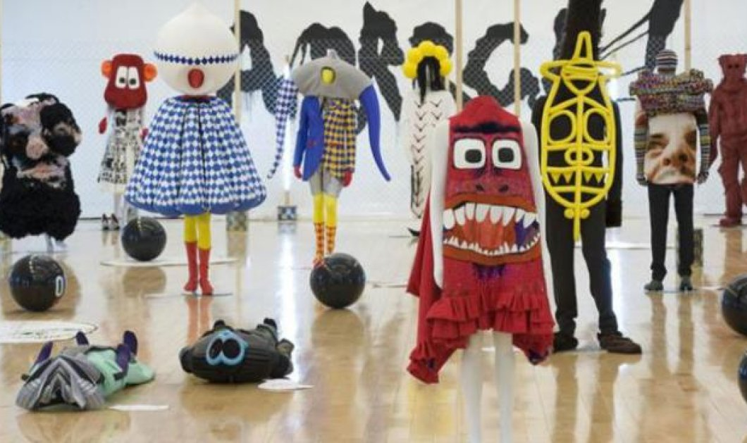 Η ελληνική δημιουργικότητα στο Παρίσι στην έκθεση «Arrrgh! Τέρατα της μόδας» από την Atopos - Κυρίως Φωτογραφία - Gallery - Video