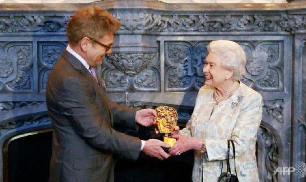 Με BAFTA ως σταρ του σινεμά βραβεύτηκε η Βασίλισσα Ελισσάβετ, παρτενέρ του 007 στους Ολυμπιακούς 2012! - Κυρίως Φωτογραφία - Gallery - Video