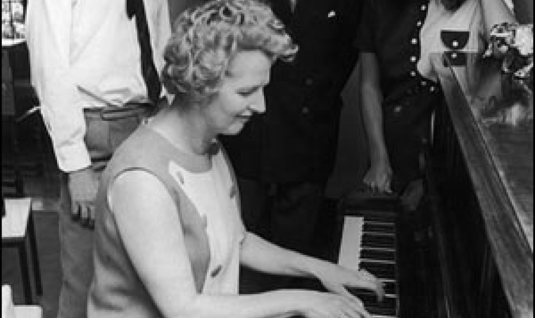 Γυναίκα από βελούδο γινόταν η «Σιδηρά Κυρία» όταν τη φιλούσε ο αγαπημένος της Ντένις-ξεφυλλίστε το οικογενειακό άλμπουμ της  πρωθυπουργού που ήξερε να λέει «όχι» - Κυρίως Φωτογραφία - Gallery - Video