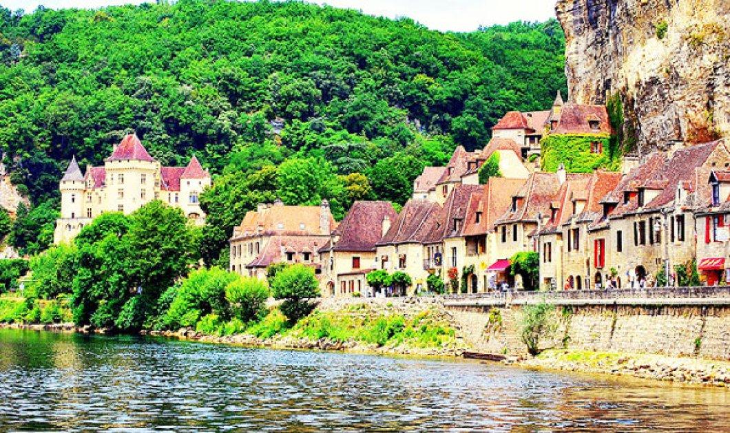 Ταξιδέψτε από σήμερα, σε ένα παραμυθένιο μεσαιωνικό χωριό με μελί καστρόσπιτα και ειδυλλιακά ποτάμια (φωτογραφίες)  - Κυρίως Φωτογραφία - Gallery - Video