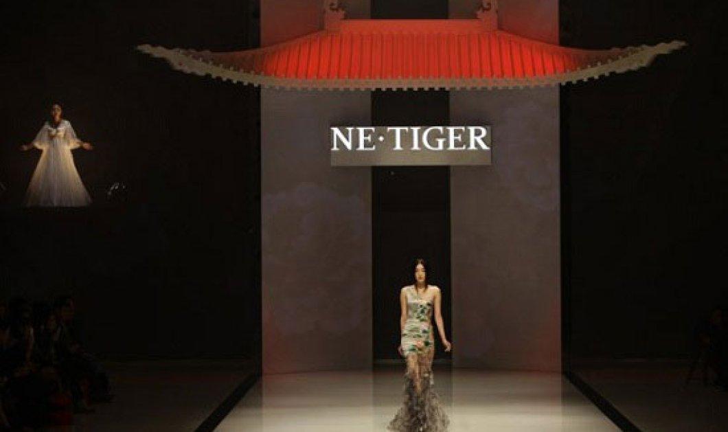 Εβδομάδα μόδας στο Πεκίνο θυμίζει κάτι από απαγορευμένη πόλη και τελευταίο αυτοκράτορα - Κυρίως Φωτογραφία - Gallery - Video