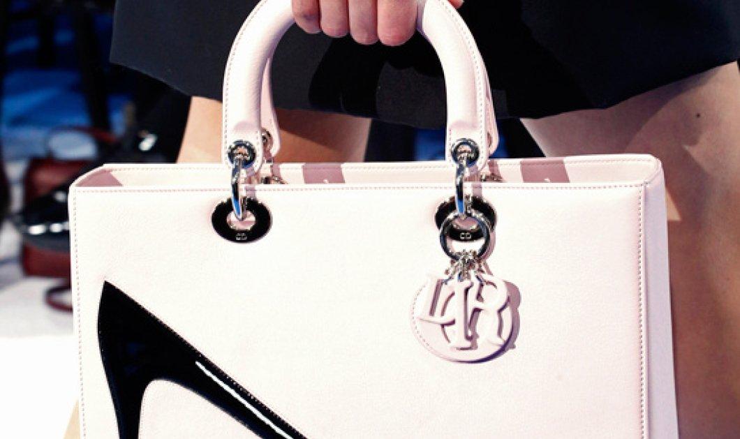 Όταν ο Dior συναντά τον Andy Warhol σε μία τσάντα, τότε οι γυναίκες βρίσκουν το επόμενο αντικείμενο του πόθου τους! (φωτό) - Κυρίως Φωτογραφία - Gallery - Video
