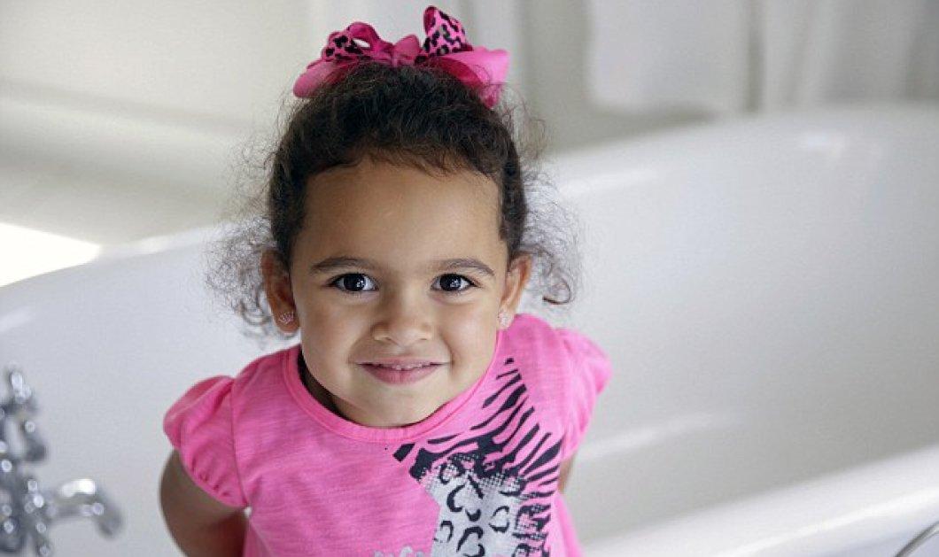 Τόσο συγκινητική ιστορία : η 4χρονη Βερόνικα ξαναγύρισε στους θετούς γονείς της με δικαστική απόφαση ύστερα από 2 χρόνια που έμεινε με τον βιολογικό πατέρα της   - Κυρίως Φωτογραφία - Gallery - Video