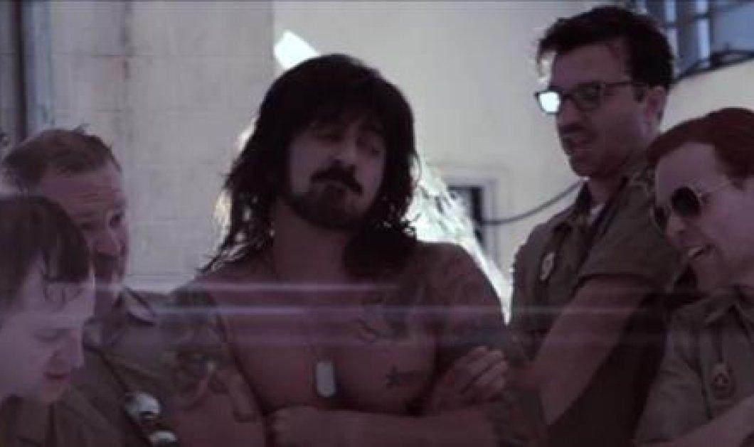 Ο Ράμπο γκέι; Κι όμως δύο παραγωγοί αποφάσισαν να το γυρίσουν ως γκέι μιούζικαλ! Τον ρόλο του ''Σταλόνε'' που στα ιταλικά σημαίνει επιβήτορας υποδύεται ο Μάριο Ντίαζ! (βίντεο) - Κυρίως Φωτογραφία - Gallery - Video