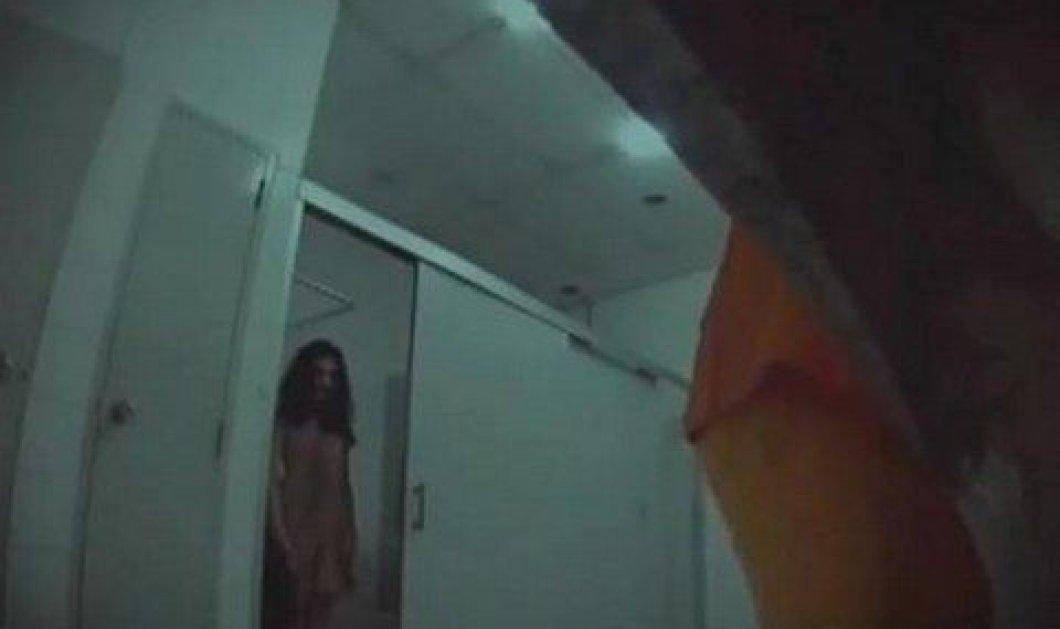 Η πιο τρομακτική φάρσα όλων των εποχών! Φαρσέρ έχουν ζωντανέψει μια ταινία τρόμου, μέσα σε δημόσιες τουαλέτες! - Πραγματικά για γερά νεύρα! (βίντεο)  - Κυρίως Φωτογραφία - Gallery - Video