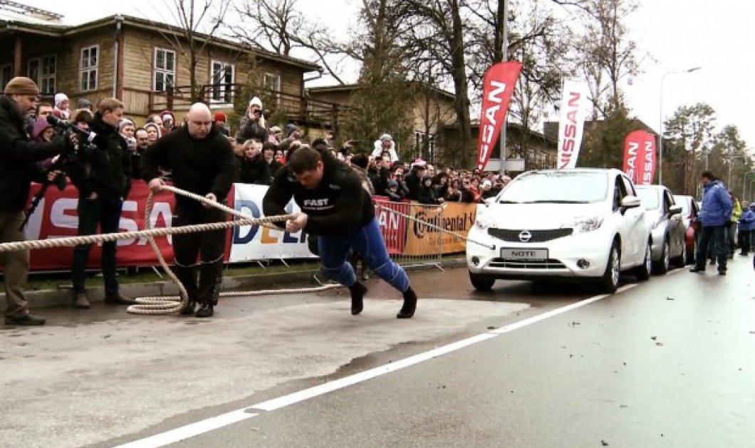 Αυτός ο Λιθουανός είναι ο δυνατότερος άνθρωπος στον κόσμο-Τράβηξε 12 αυτοκίνητο και έσπασε το ρεκόρ Γκίνες (φωτό & βίντεο) - Κυρίως Φωτογραφία - Gallery - Video