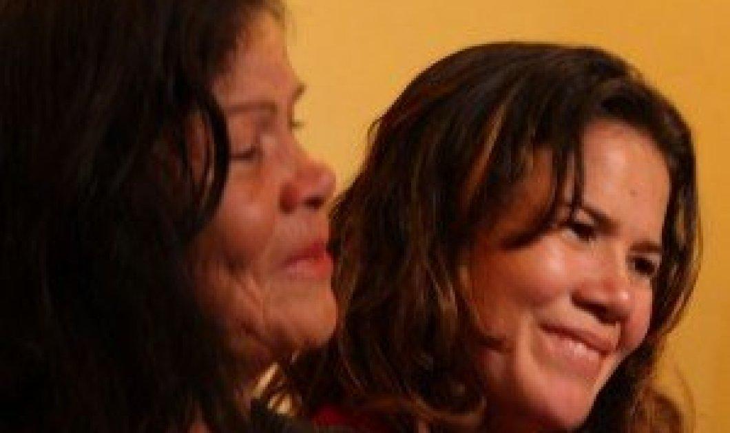 Ξαναβρήκε την κόρη της μετά από 30 χρόνια- Την άρπαξαν μέσα από τα χέρια της μητέρας της μόλις 2 ετών στον Εμφύλιο του Σαλβαδόρ  - Κυρίως Φωτογραφία - Gallery - Video