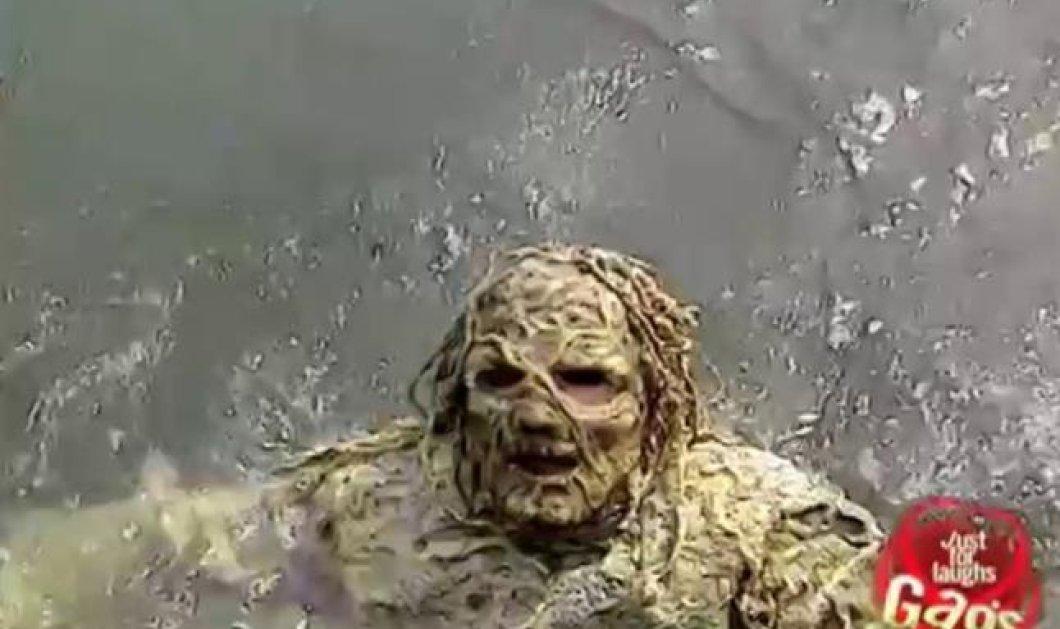 Χαχαχα - Απίθανη φάρσα με το ''τέρας'' της λίμνης να τρομάζει τον ανυποψίαστο κόσμο - Μην την χάσετε! (βίντεο) - Κυρίως Φωτογραφία - Gallery - Video