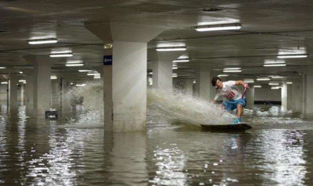 Αν έχεις φαντασία... διάβαινε - Τρεις φίλοι εκμεταλλεύτηκαν ένα πλημμυρισμένο πάρκινγκ για να κάνουν wakeboard! (βίντεο) - Κυρίως Φωτογραφία - Gallery - Video