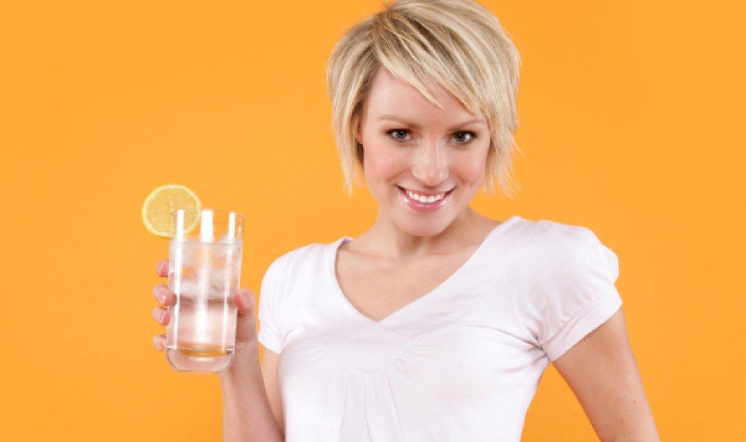 Ζεστό νερό με λεμόνι - Γιατί είναι καλό να το πίνουμε το πρωί πριν ξεκινήσουμε την δουλειά μας! - Κυρίως Φωτογραφία - Gallery - Video
