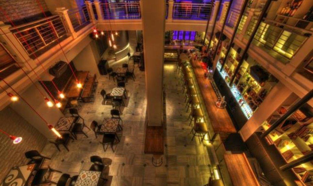 «Μπούφος»: το νέο hot spot της Πλατείας Αγίας Ειρήνης-Το μπαρ που σερβίρει σαλάμι σε όλες του τις... παραλλαγές και εκπλήσσει (φωτό) - Κυρίως Φωτογραφία - Gallery - Video
