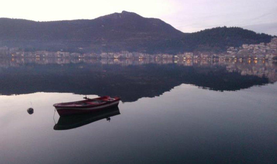 Μόνο στο eirinika.gr: Να μια παραμυθένια πόλη της Ελλάδας: Καστοριά. Με ξεναγό ένα παλιό γουνέμπορο γύρω από την λίμνη των ονείρων με τις Βυζαντινές Εκκλησίες  και στο Ντολτσό με τ' αρχοντικά του - Κυρίως Φωτογραφία - Gallery - Video