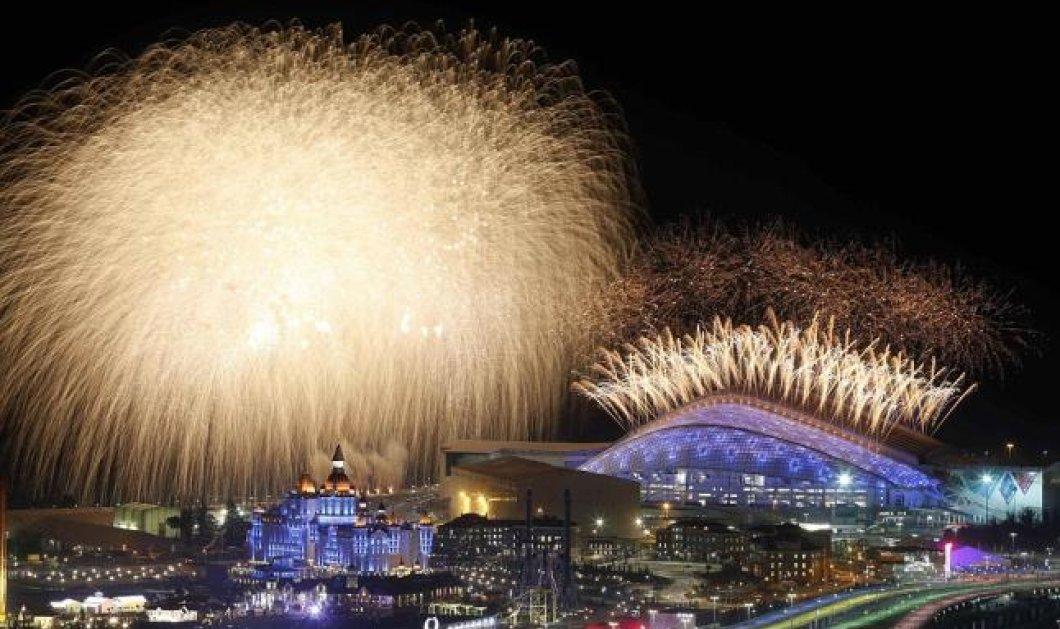 Sochi: Χειμερινοί Ολυμπιακοι Αγώνες: Ρωσική Μαγεία - θλιμμένος ηγέτης ο Πουτιν - Χαρούμενες η κρυφή ερωμένη Αλίνα Καμπάεβα που άναψε τη φλόγα και η κούκλα τενίστρια Σαράποβα! (φωτό)   - Κυρίως Φωτογραφία - Gallery - Video