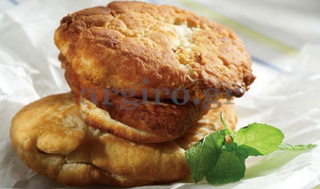 Καλημέρααα - Πάμε να φτιάξουμε για το σημερινό μας πρωινό ζυμαρόπιτες με φέτα από τα χεράκια της Αργυρώς - Μια πανεύκολη νοστιμιά που ξετρελαίνει μικρούς και μεγάλους! - Κυρίως Φωτογραφία - Gallery - Video