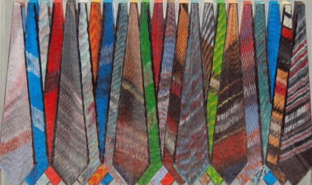 Η «ΓΚΑΛΕΡΙ» του eirinika εκθέτει Παύλο & τα μοναδικά πολύχρωμα γλυπτά από χαρτί που τον ανέδειξαν σε παγκόσμιο καλλιτέχνη: γραβάτες, λουλούδια, μπουκάλια - Υπέροχα μοναδικά! - Κυρίως Φωτογραφία - Gallery - Video