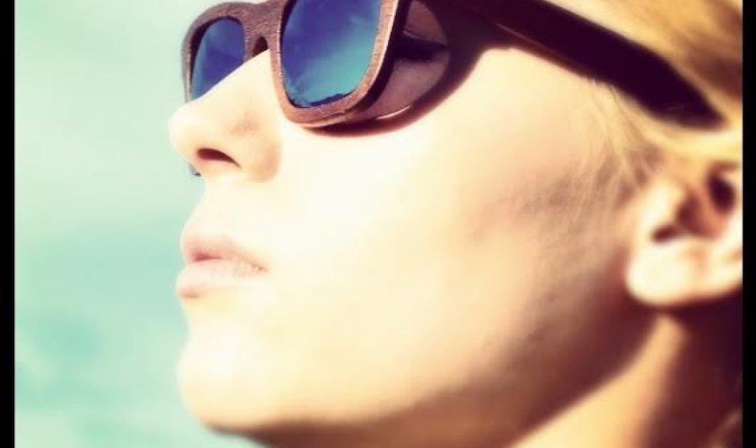 Αποκλειστικό: Made in Greece τα ελαφρύτερα ξύλινα γυαλιά Gazer Eyewear, ξετρελαίνουν τους Ευρωπαίους - Δημιουργός ο Γ. Κούνας με έμπνευση από τους ξυλουργούς, πατέρα & παππού του (φωτό) - Κυρίως Φωτογραφία - Gallery - Video
