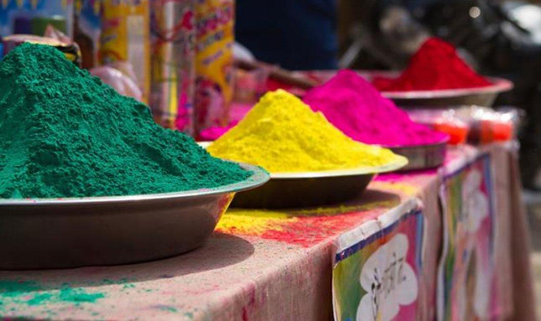 Απολαύστε τα εκτυφλωτικά χρώματα του Φεστιβάλ της Ινδίας στο Βερολίνο! - Κυρίως Φωτογραφία - Gallery - Video
