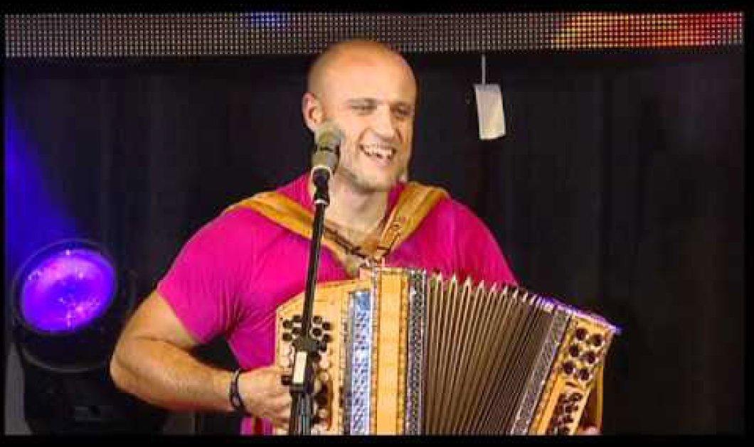 O Ζόραν έπαιξε ακορντεόν για 35,5 ώρες - Guinness! - Κυρίως Φωτογραφία - Gallery - Video