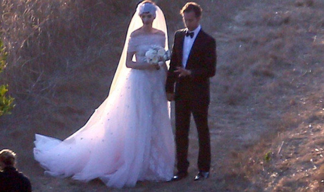 Άντε, και στα δικά σας! Παντρεύτηκε η Anne Hathaway με τον Adam Shulman απλά κι απέριττα! - Κυρίως Φωτογραφία - Gallery - Video