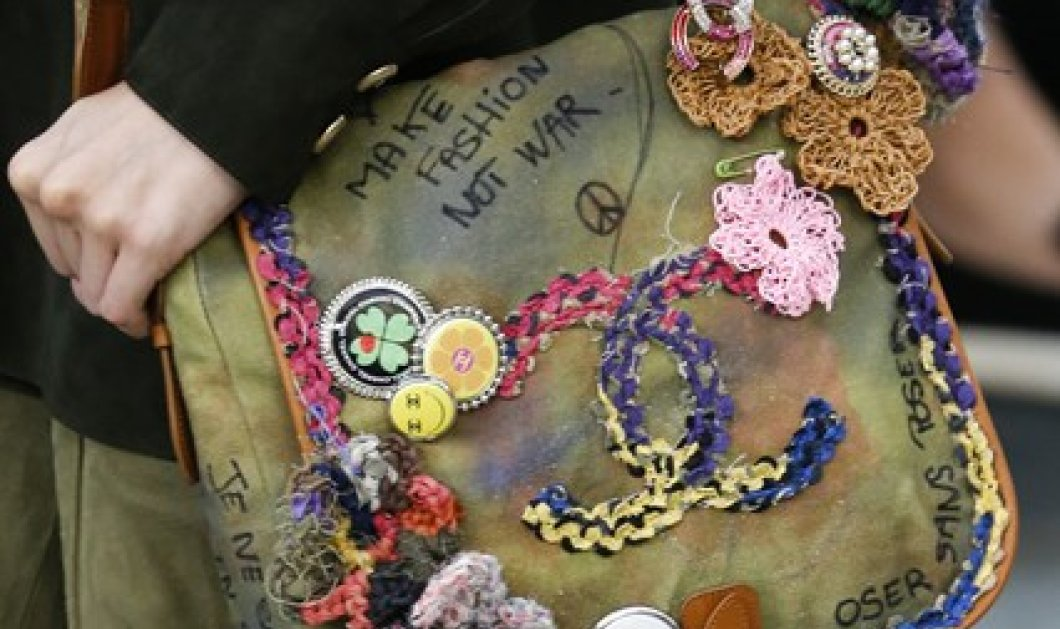Spring is here: 12 τρόποι για να φορέσετε τα αγαπημένα σας φλοράλ - Η Vogue προστάζει & εμείς ακολουθούμε! - Κυρίως Φωτογραφία - Gallery - Video