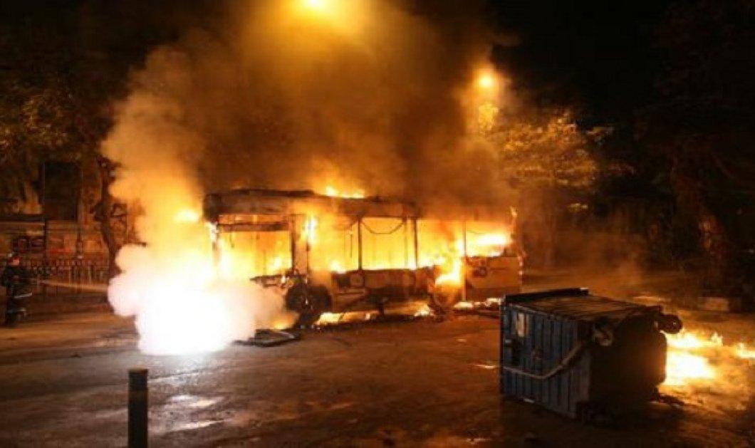 """""""Βγείτε έξω θα σας κάψουμε'': Τρόμος στα Εξάρχεια όταν αναρχικοί προειδοποίησαν οδηγό & επιβάτες για να ρίξουν μολότωφ!  - Κυρίως Φωτογραφία - Gallery - Video"""