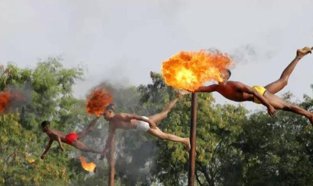 Φωτό εβδομάδας: Ιπτάμενοι γυμνοί ακροβάτες-πολεμιστές πετούν φωτιές από το στόμα τους! Απολαύστε τους! - Κυρίως Φωτογραφία - Gallery - Video